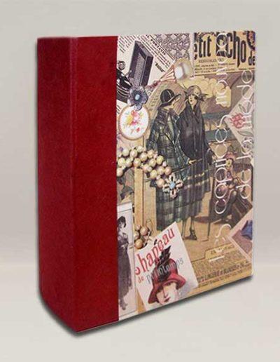 Album foto artigianale rivestito con carta Renkalik con fantasia stile vintage e costa carta gelso bordeaux