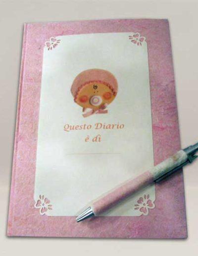 Diario nascita rivestito a mano con carta seta rosa. Handmade