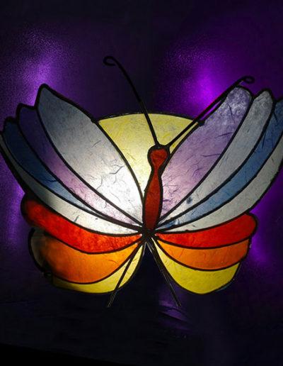 Lampada farfalla in ferro battuto e carta di riso