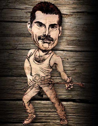 Sagoma di Freddie Mercury incisa a pirografo su legno di pioppo