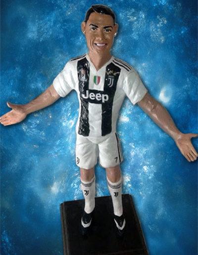 Statuina di terracotta del calciatore Cristiano Ronaldo con la maglia della Juventus. Fatto a mano in stile statuine di Napoli