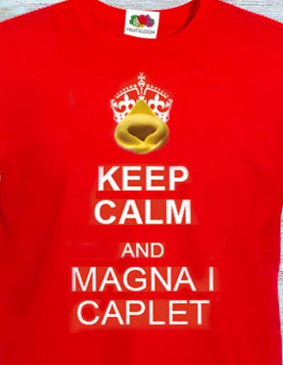 T-shirt dipinta a mano con Keep calm and magna i caplet