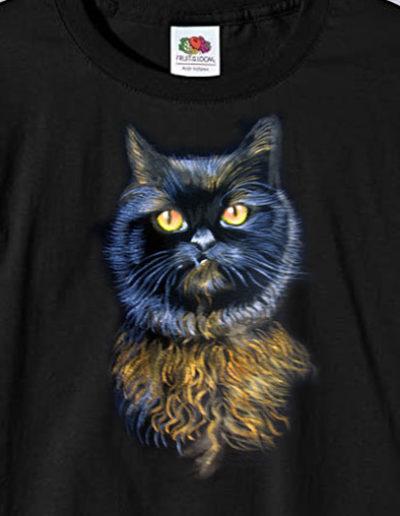 T-shirt dipinta a mano con gatto nero e occhi gialli