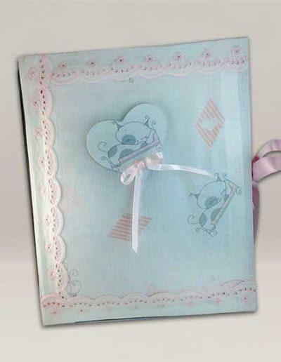 Album foto artigianale rivestito con cotonina baby color rosa e cuore con gattino