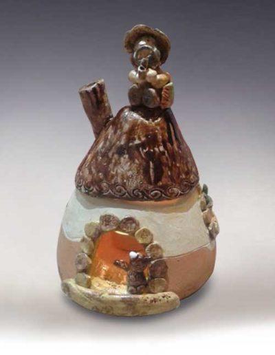 Manufatto realizzato da allievo di corso ceramica, trattasi di un portacandele di terracotta