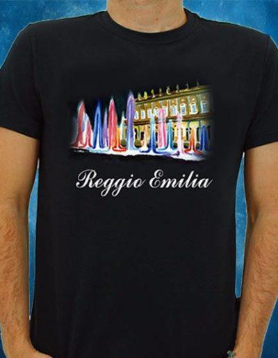 T-shirt nera con veduta del Teatro Valli di Reggio Emilia