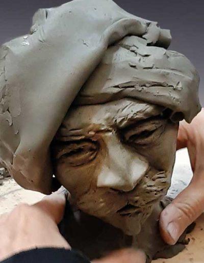 Manufatto realizzato da allievo di corso ceramica, trattasi di una testa di argilla
