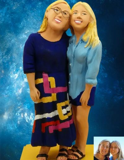 Statuetta mamma e figlia